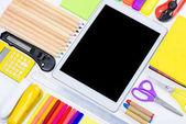 Fotografie Kancelářské potřeby a digitální tablet