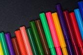 Fotografie barevné plstěné špičky pera