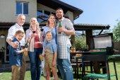 Fényképek család barbecue együtt