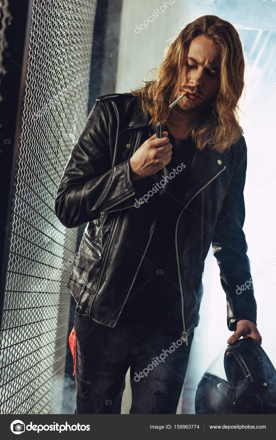 Poil Homme Élégant Avec Cigarette Long xYgqPw8Sg