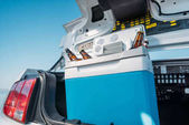 sör-ban autót hordozható hűtő