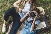 Fotografie žena brát fotografie