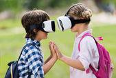 Fotografia bambini con cuffie vr