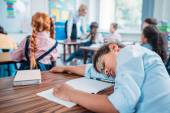 Fényképek Iskolás osztály alszik