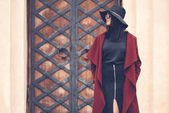 Fotografie junge Frau in stilvoller Kleidung