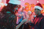 Fényképek új év party többnemzetiségű meg