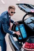 üzletember, a bőrönd-autó