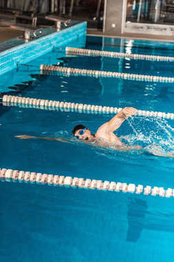 male professional swimmer