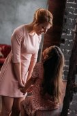 Fotografie mladá matka trávit čas s dcerou na podkrovní apartmány