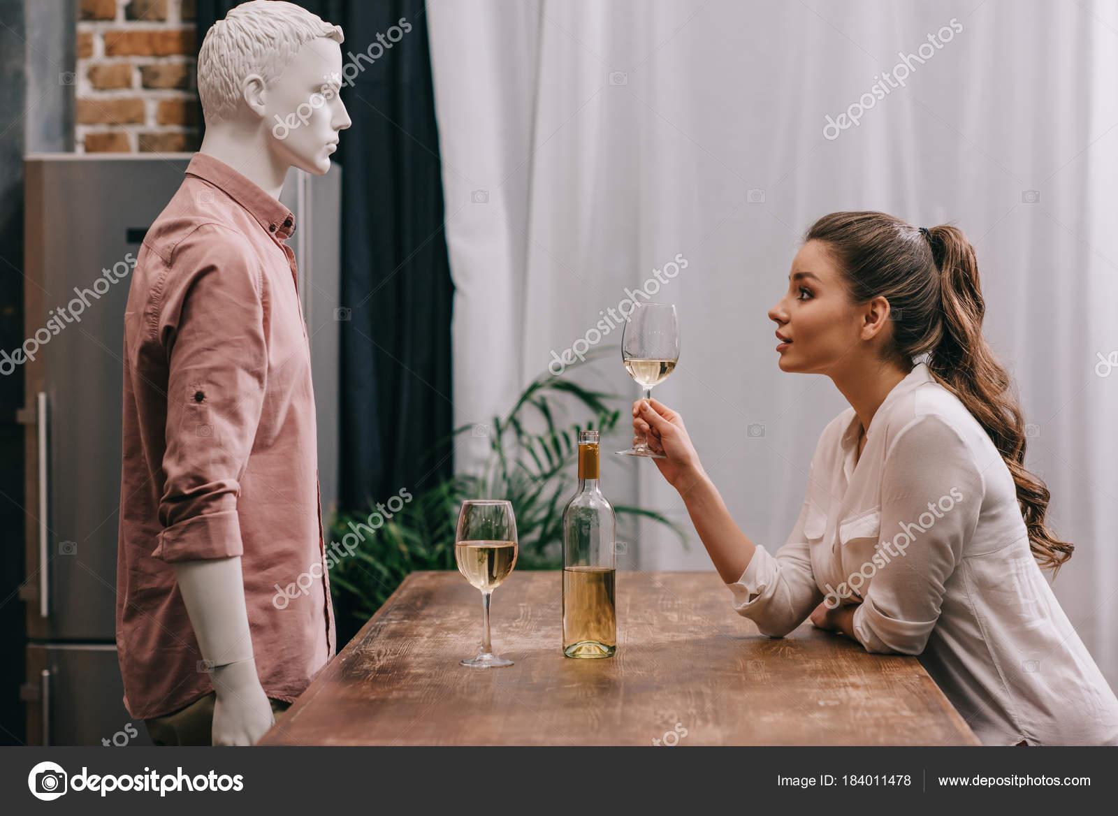 Rozwiedziona kobieta, samotny mężczyzna