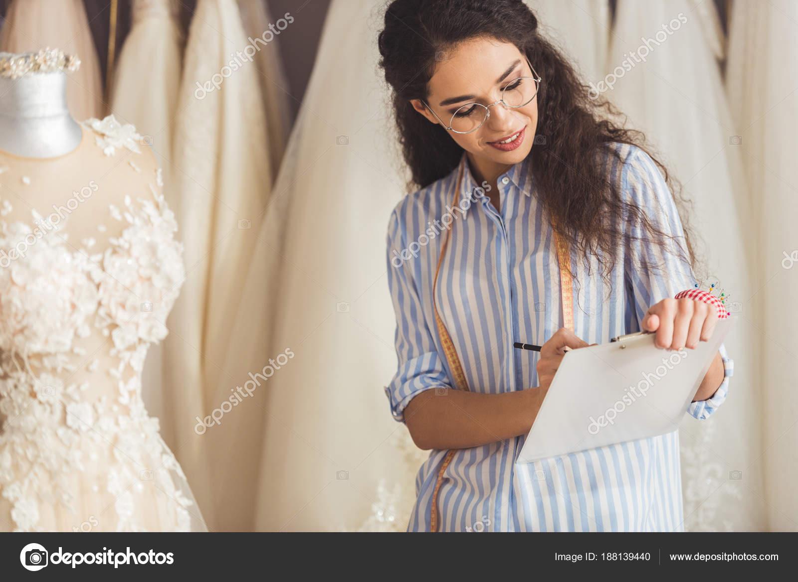 Schneider Zwischenablage Durch Schönes Kleid Hochzeit Mode Shop ...