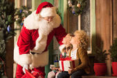 Fotografie Santa Claus a děti s dárkové krabice