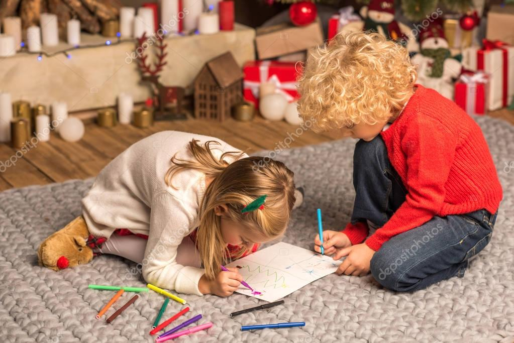 Children drawing picture