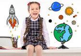 Schulmädchen träumt von Weltraumreisen