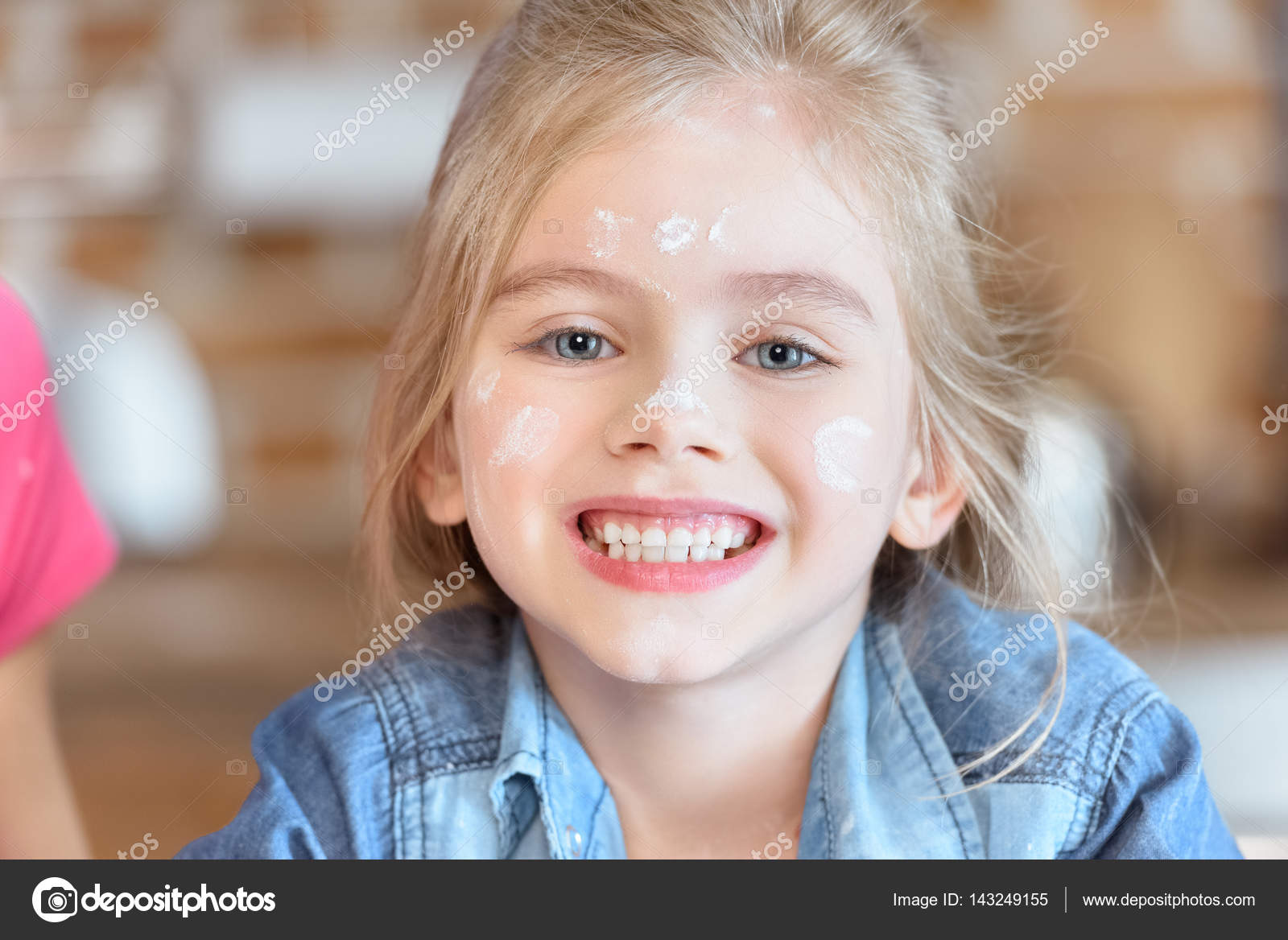 Beautiful little girl  Stock Photo #143249155