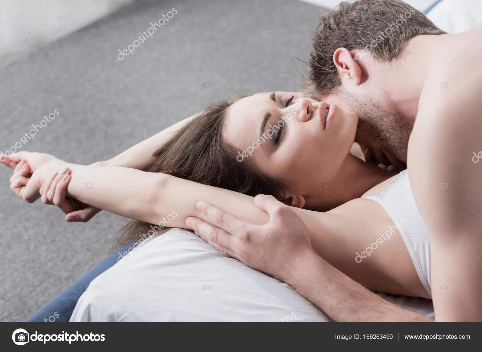 Bondage crissy en moran