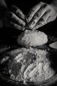 Baker hnětení těsta
