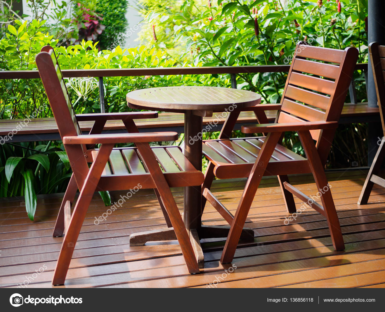 Conjunto de muebles de Patio al aire libre de fondo marrón madera ...