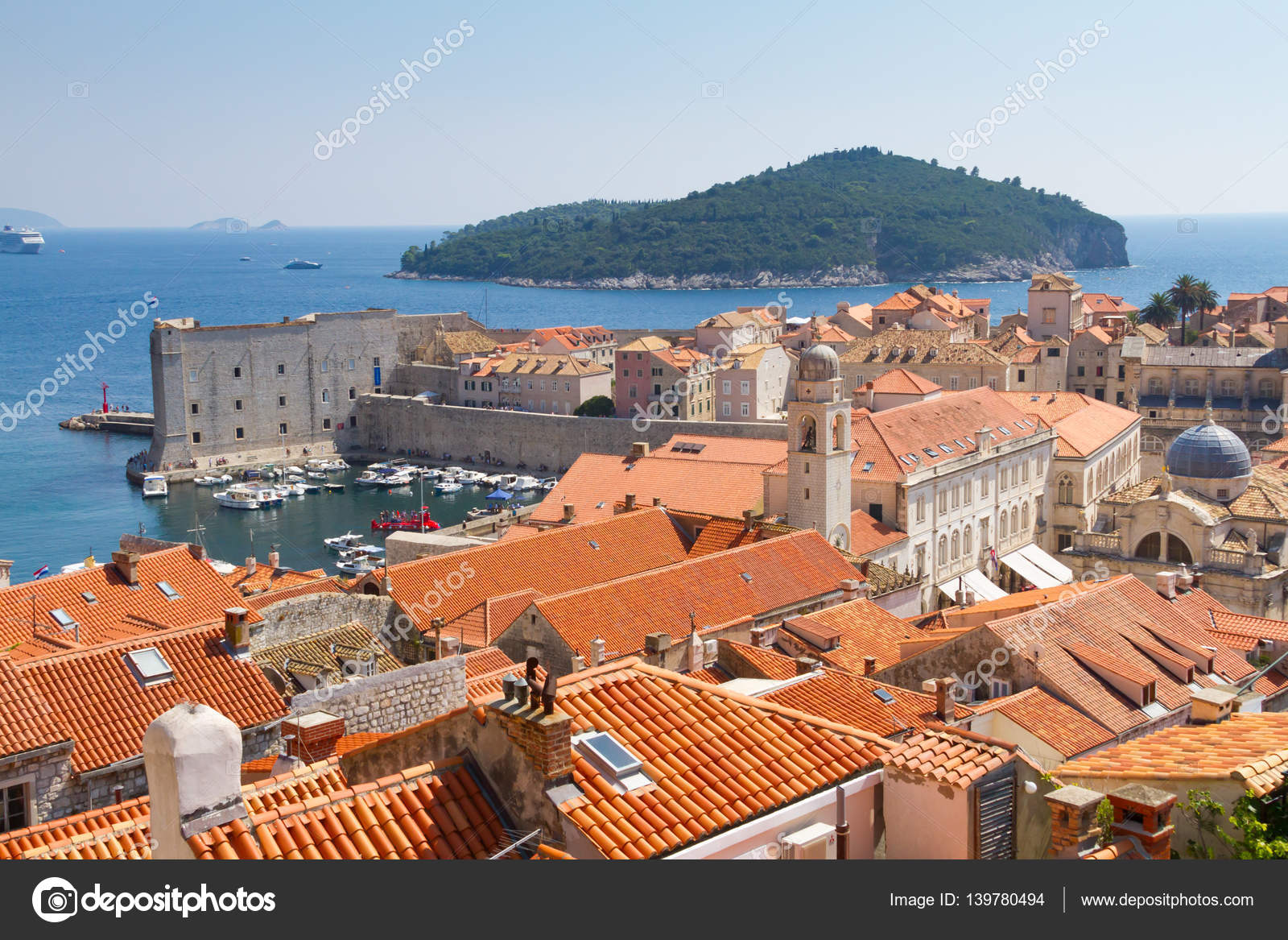 Luchtfoto van oude dubrovnik met rode tegel daken u stockfoto
