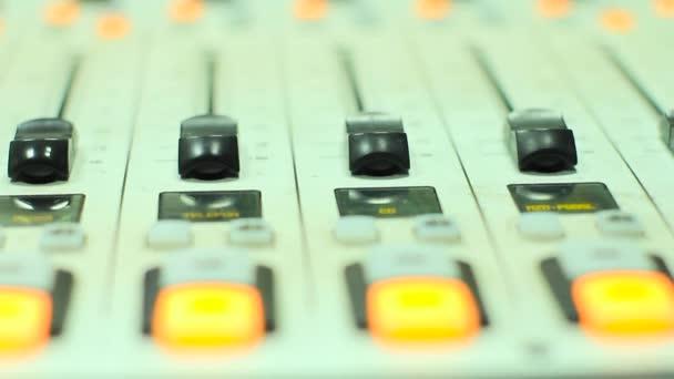 a rádió-stúdió keverő