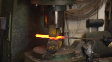 automatic forging hammer