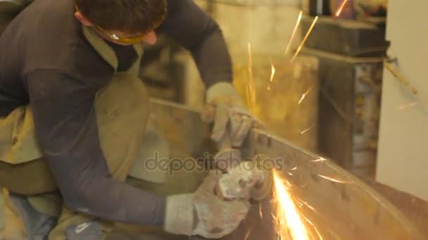 pracovní mele kov