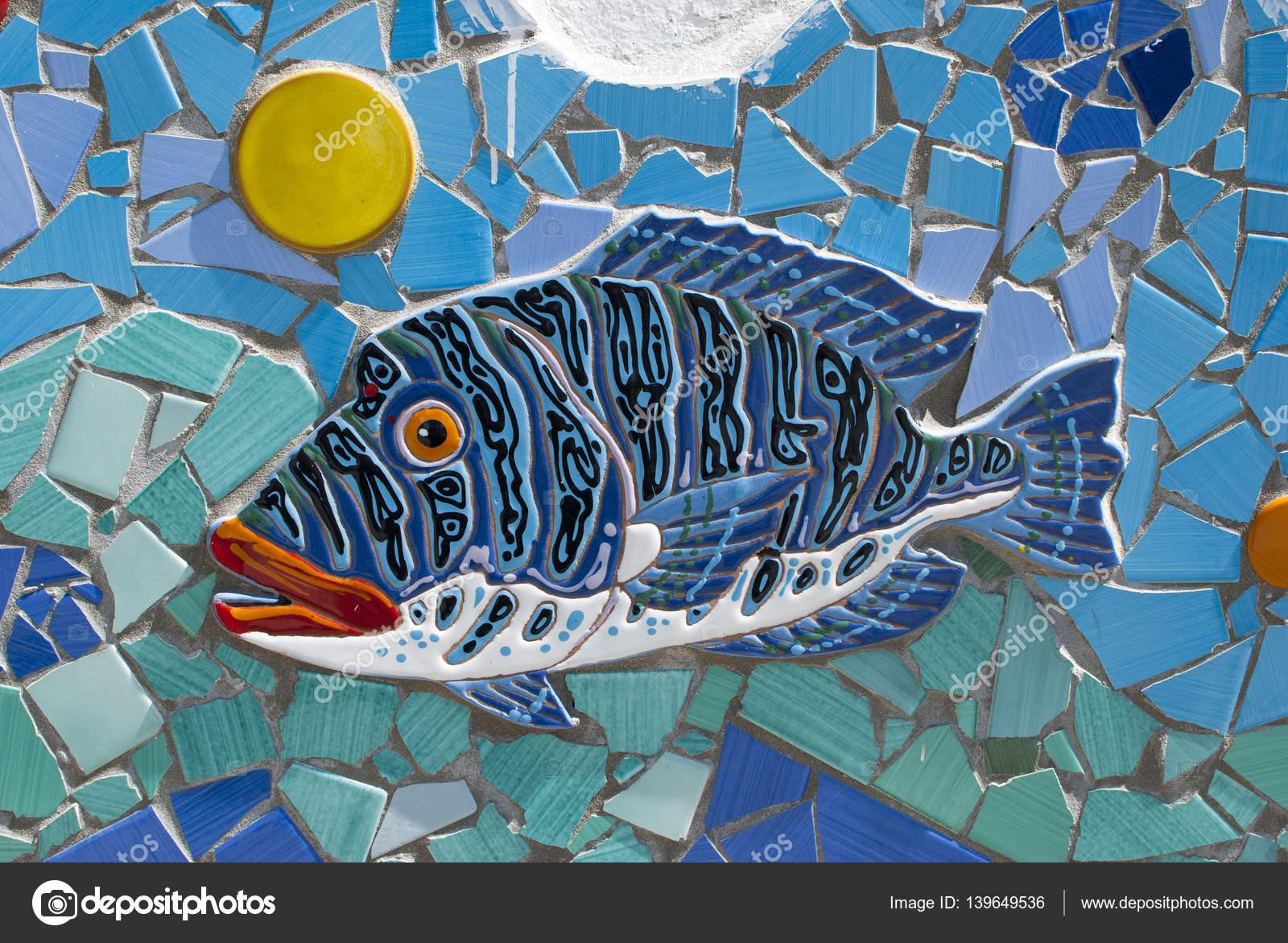 Pesci di ceramica della costiera amalfitana campania for Piani domestici della carolina costiera