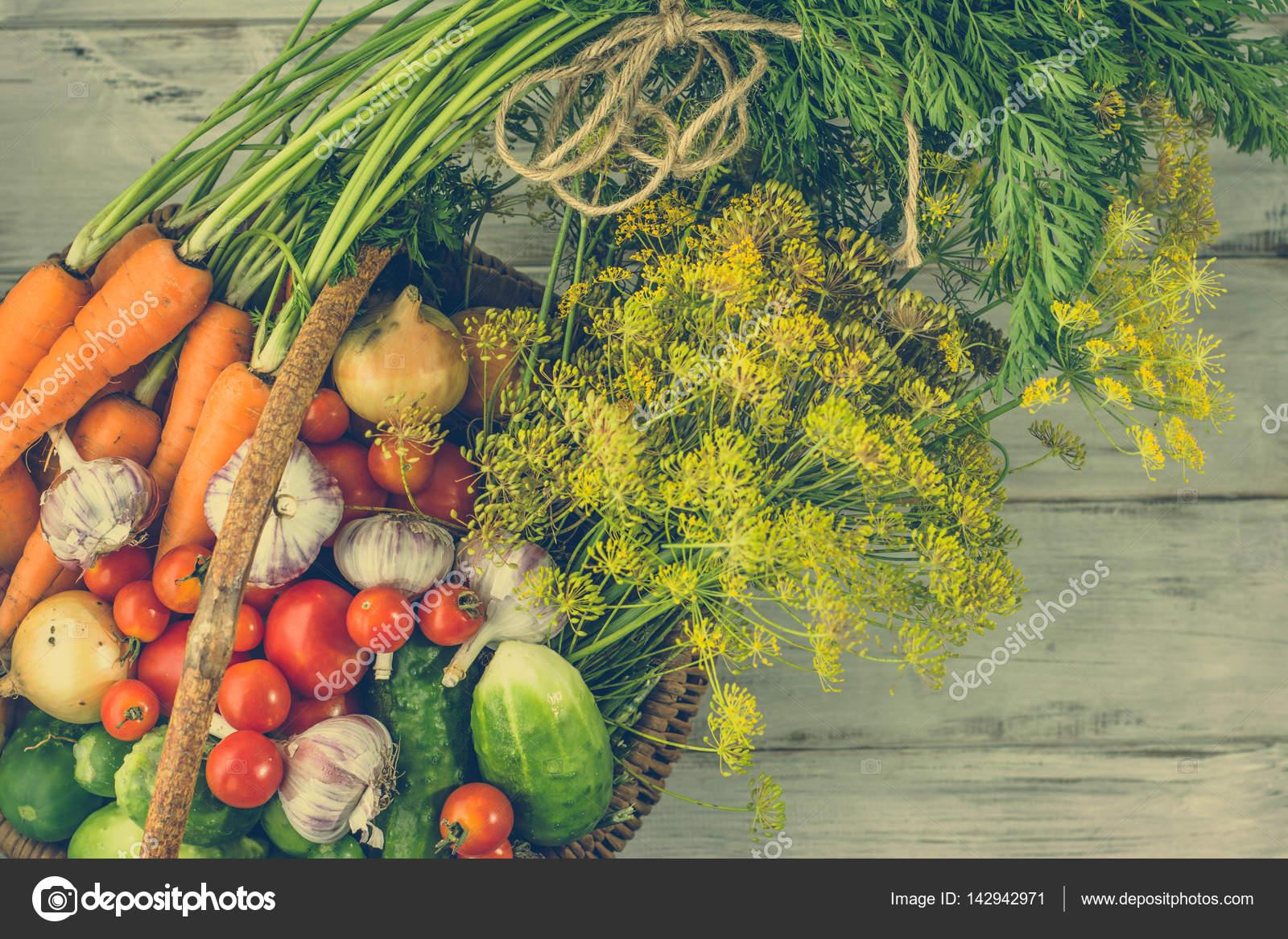 Colección de verduras en la cesta acd1ec07e6c