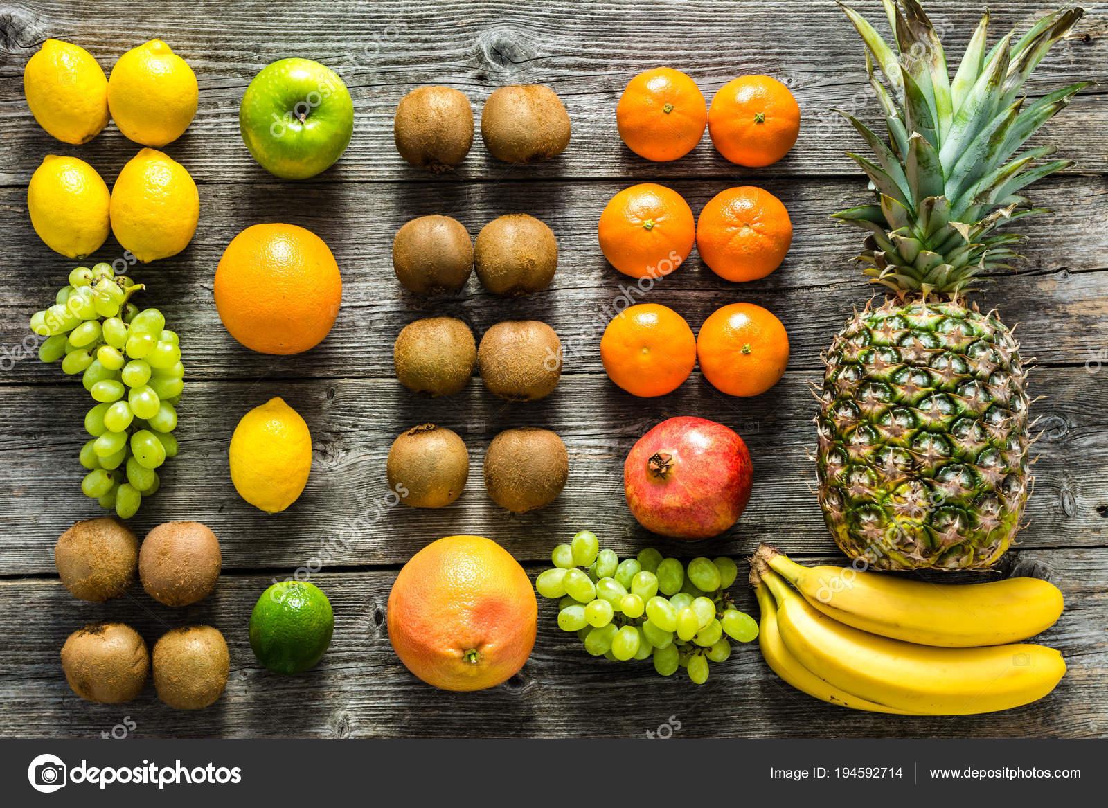 Tropische Fruchte Mix Auf Tabelle Fruchte Als Gesunde Saubere