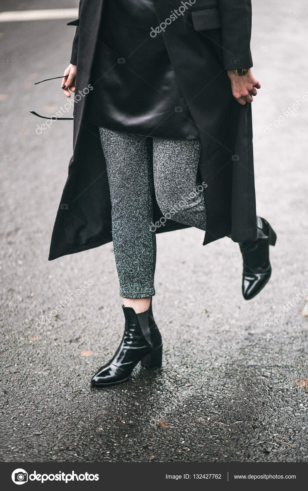 Look - How to oversized wear coat trend video