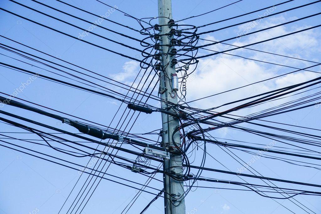 elektrik direği ile elektrik tel ile gökyüzü arka plan — Stok Foto ...