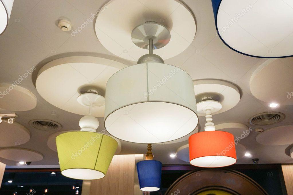 Lampade Da Soffitto Design : Design creativo di lampade da soffitto u foto stock jummie