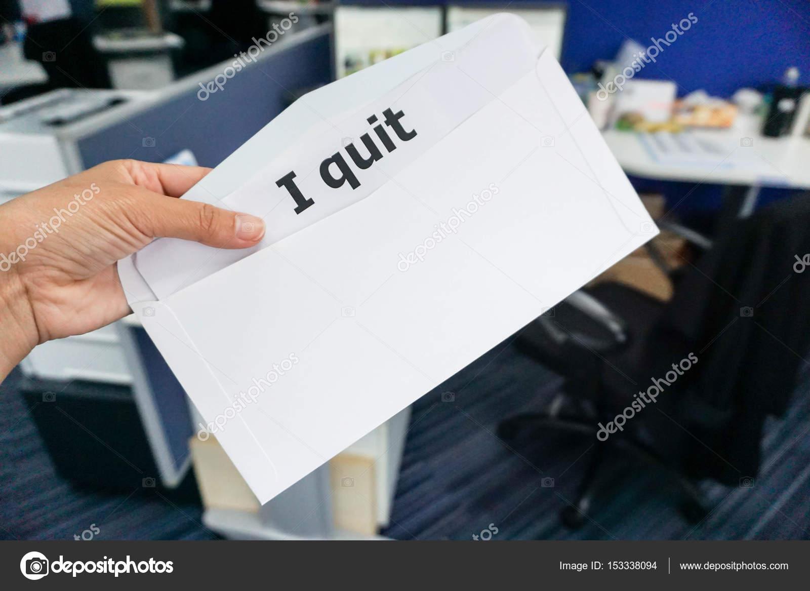 concept ontslagbrief bedrijfsconcept van vrouw dienen ontslagbrief aan de baas  concept ontslagbrief