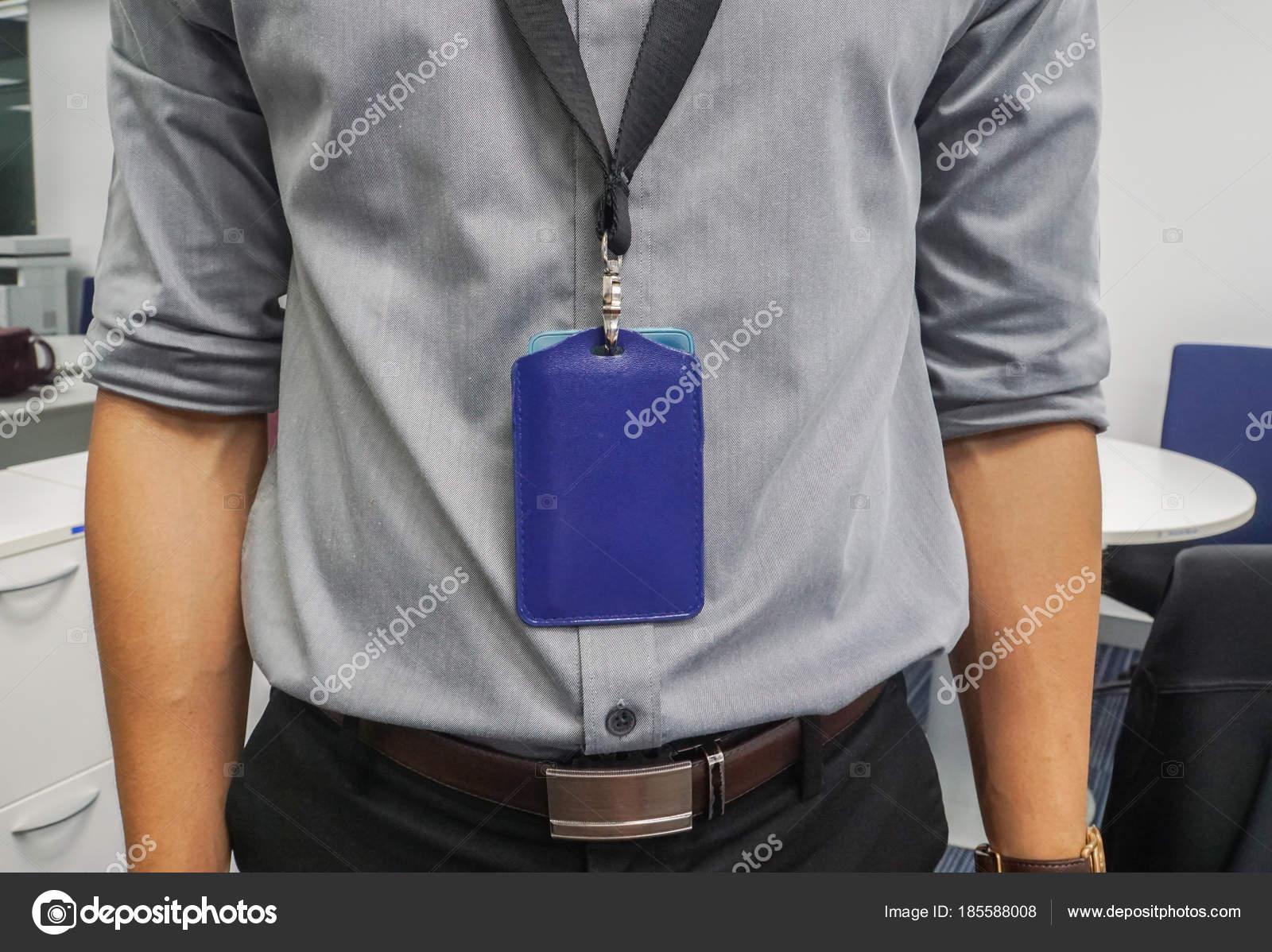 Cerrar Negocios Con Gris Camisa Cuello Distintivo Empresa Oficina — Foto de  Stock dbf7159ff7202