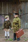 Kinder in Uniform. Soldaten, die Verteidiger des Vaterlandes. Ich erinnere mich, ich bin stolz! . Militärgeschichte. Verteidiger des Vaterlandes. militärische Themen.militärische Uniform.
