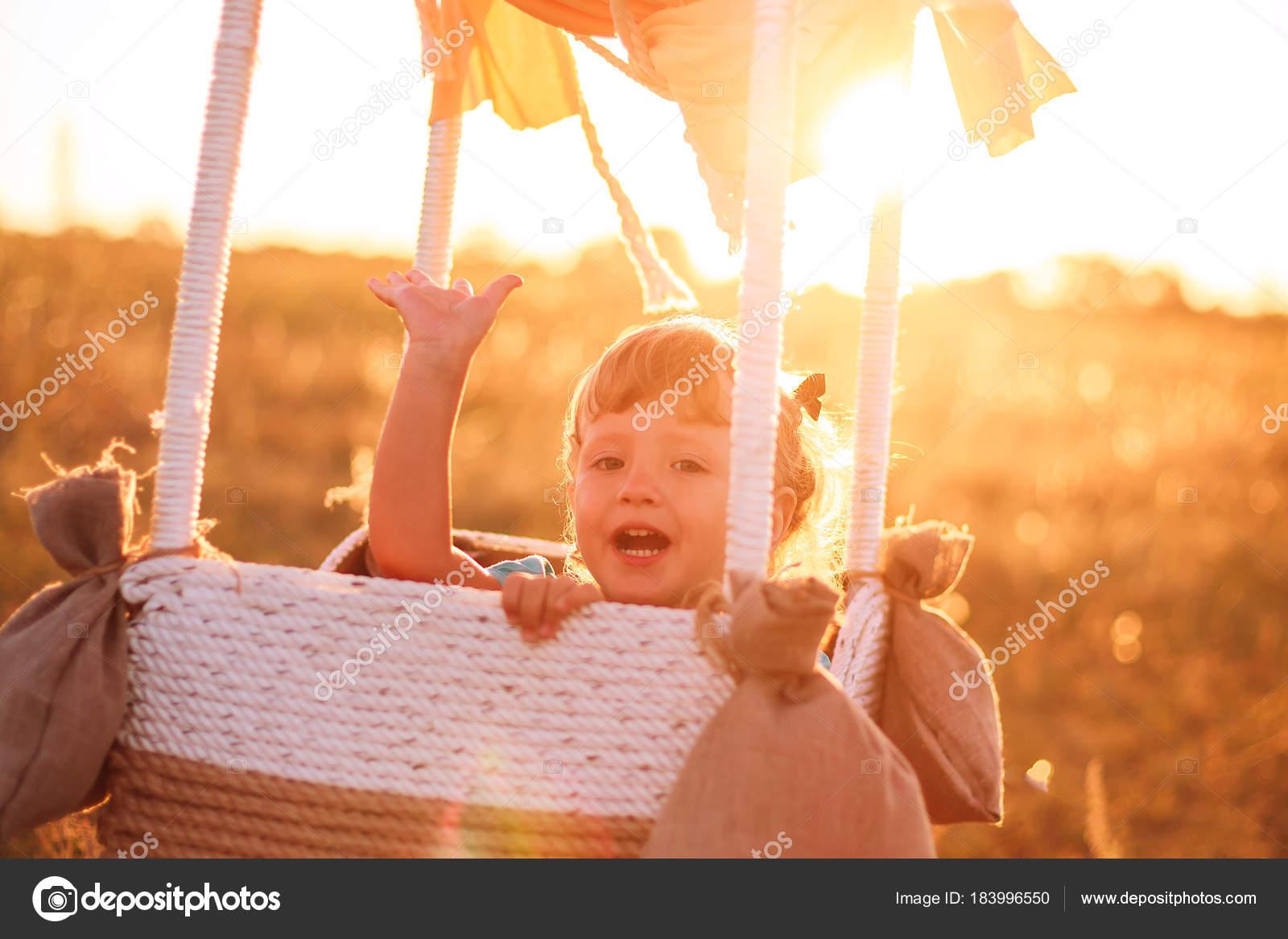 Воздушный шар и ребенок 49