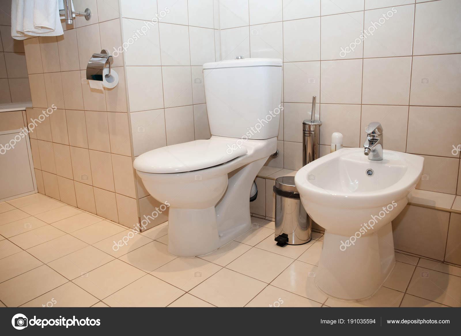 Cuarto Baño Cabina Ducha Aseo Cuarto Baño Plomería Fregadero ...