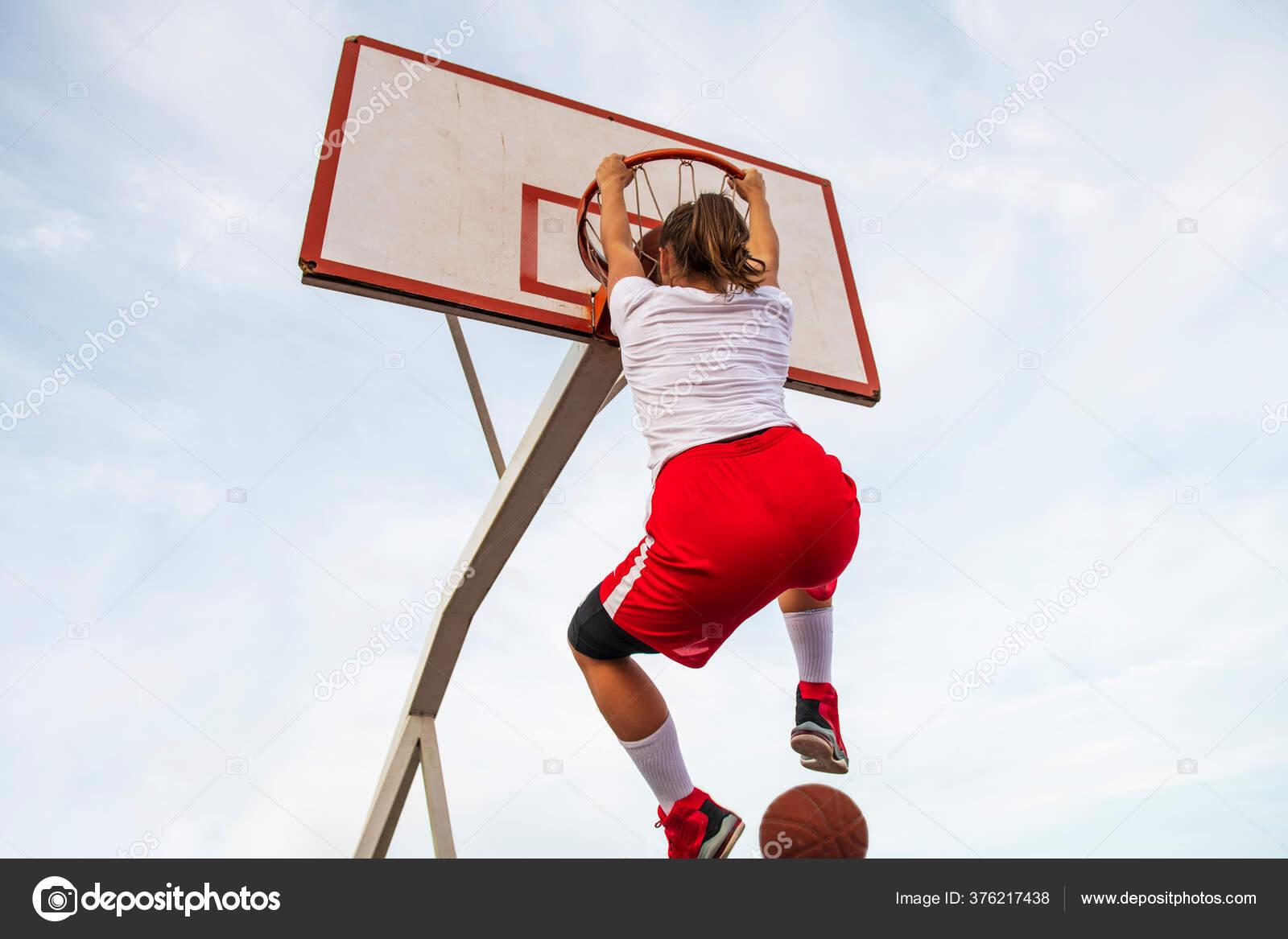 Basketballspielen