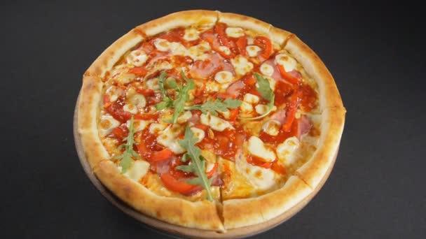 Zpomalit pohyb zavřít chutnou pizzu