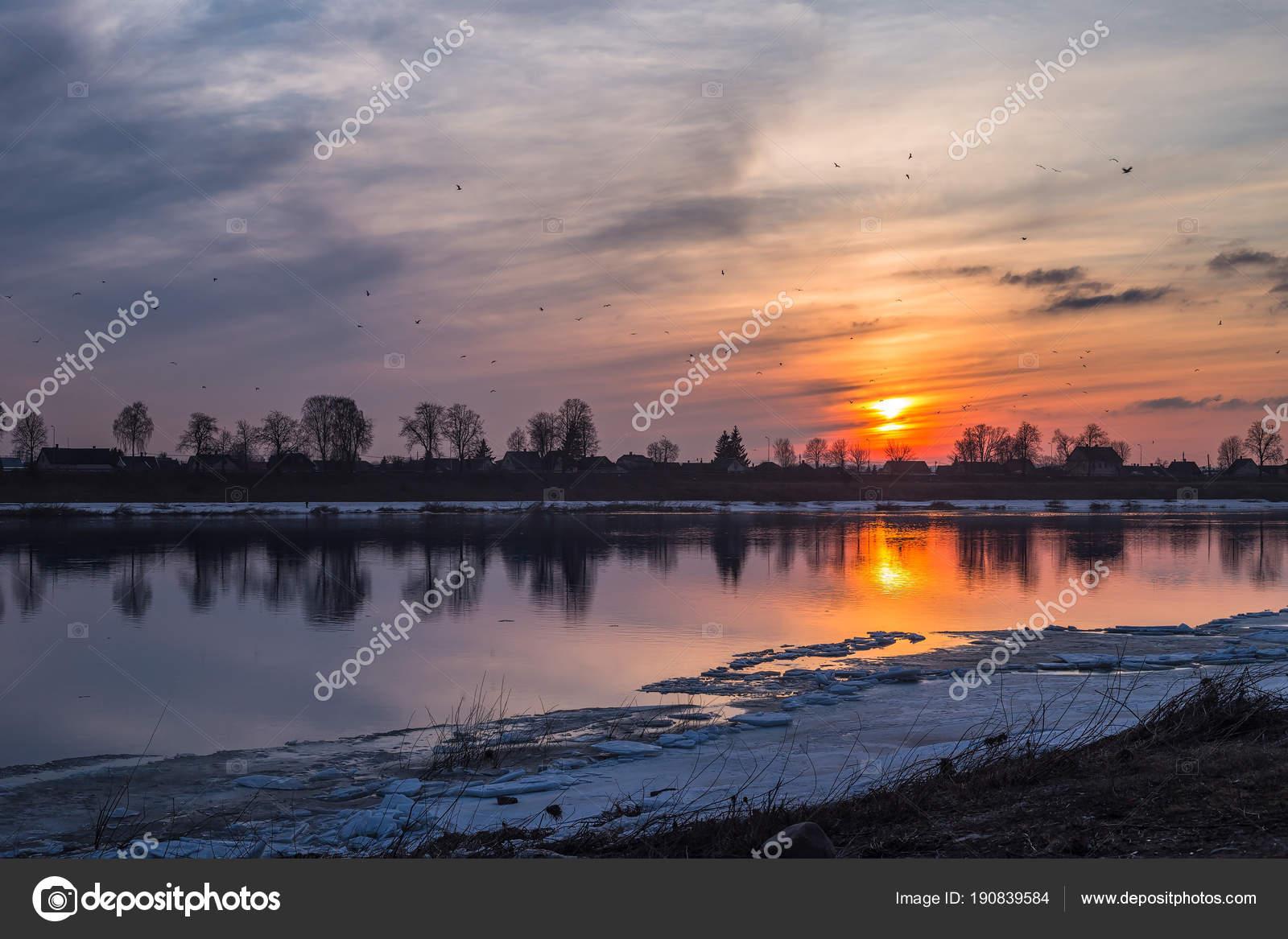 ダウガフピルスのダウガヴァ川の...