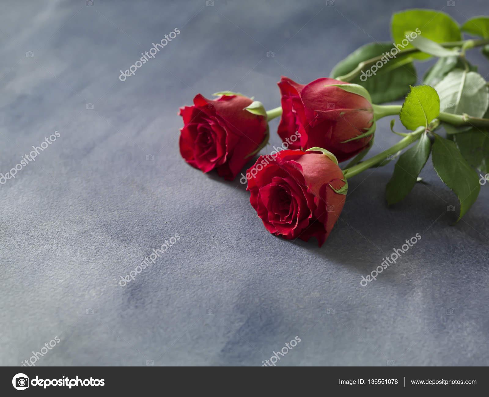 Feier Oder Hochzeitsstrauss Roter Rosen Stockfoto