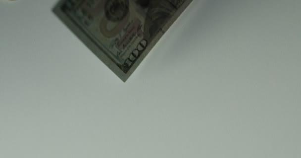 Dolarové bankovky, peníze pozadí. Sada s počtem do směnky sto dolarů dolarů peníze. Portrét George Washington detailní na účty za sto dolarů. Dolarů, peníze zblízka