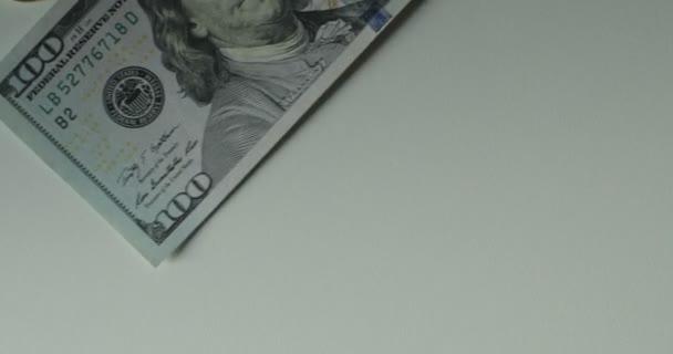 Dolarové bankovky, peníze pozadí. Sada s počtem do směnky sto dolarů dolarů peníze. Portrét George Washington detailní na účty za sto dolarů