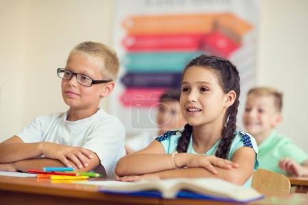 Photo pour Portrait d'enfants à l'école à la leçon - image libre de droit