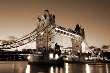 Evening Tower Bridge, Londres, Royaume-Uni