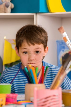 Child study homework tips. Difficulties with homework for schoolboy children.