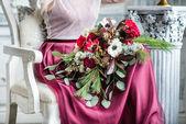 Milá žena s květinami