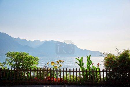 Photo pour Remblai de lac de Genève, Montreux, Suisse - image libre de droit