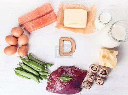 Photo pour Aliments naturels riches en vue de dessus de vitamine D. - image libre de droit