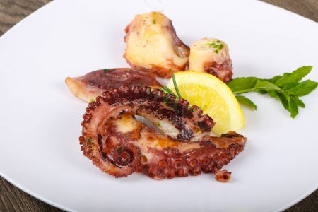 Delicious Grilled octopus